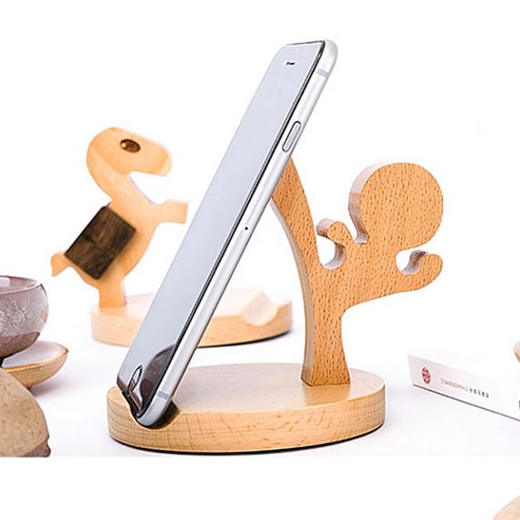 包邮实木功夫小人木质手机支架 创意产品懒人手机座手机平板适用