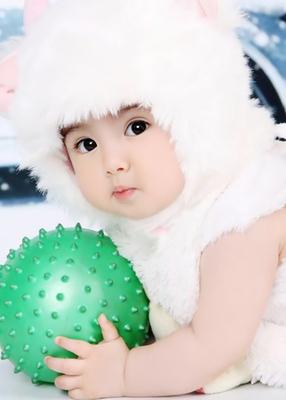 漂亮宝贝海报可爱女宝宝海报胎教海报婴儿画报可爱宝贝房孕画r17