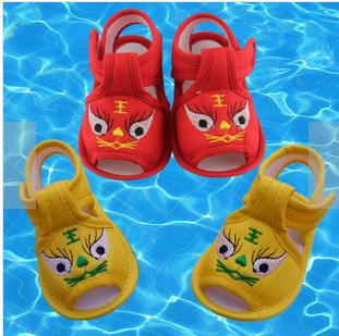 清仓夏季男女婴儿童传统手工软底鞋老虎头布凉鞋宝宝新生儿学步鞋