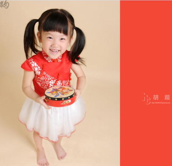 出租儿童摄影服装家庭拍照服装红色青花瓷造型服装古典美女服装