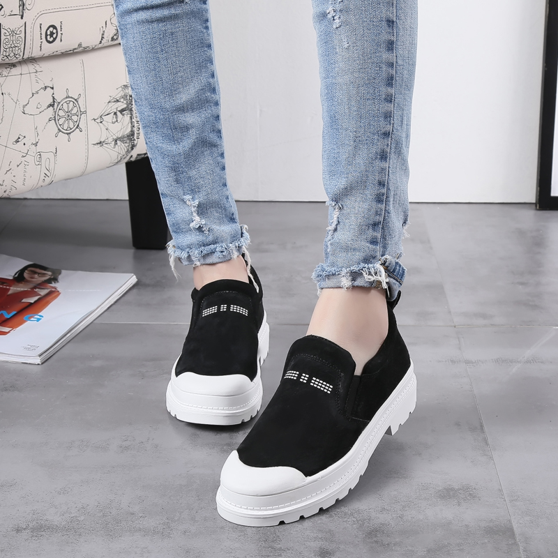 2017 years new female in thick-soled leather shoes heels Korean leisure shoes retro shoes flat shoes