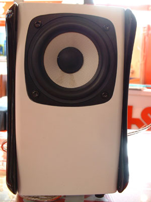 Logitech Z323 2.1 active multimedia speakers/sound/subwoofer 360 degree surround sound and practical