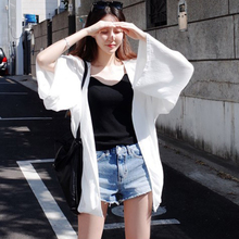 2018 new summer Korean sunscreen clothing, womens medium length cardigan, beach beach clothes, wild clothes, thin style coat tide.