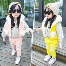 Wear winter clothing fall winter girls and velvet suits children wave little girl with Cap three-piece girls baby sports suit