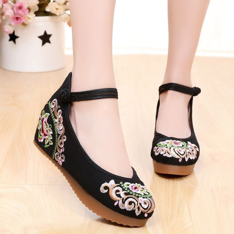Old Beijing embroidery high heel shoes national wind beef tendon bottom slope with women's plate buckle China wind retro comfort shoes