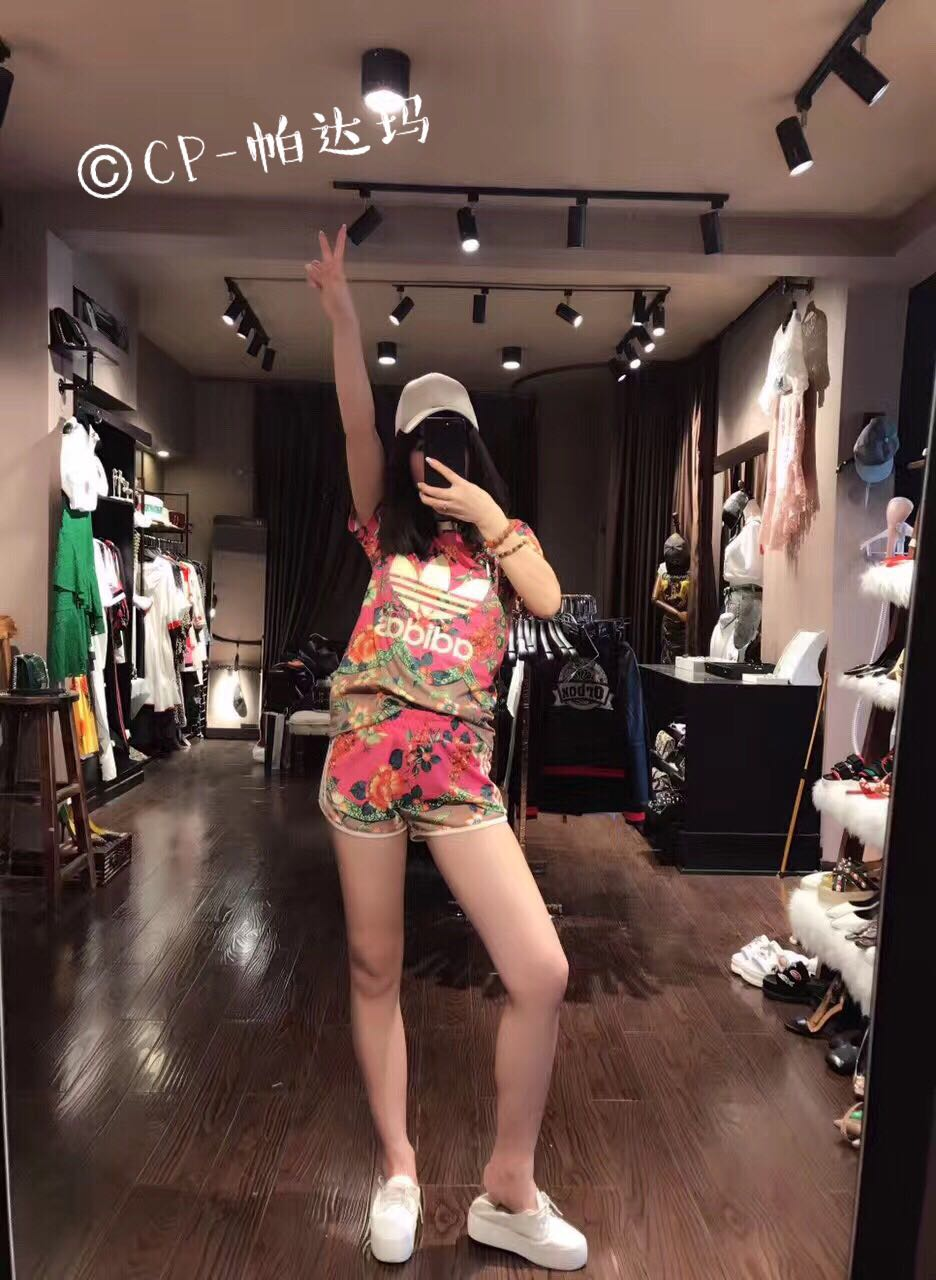 2017, the new Shamrock alphabet edition full print big flower, summer lady short sleeve shorts suit