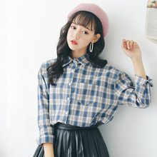 Female college student autumn Plaid Shirt Korean wind loose all-match leisure long sleeved shirt 2017 new spring