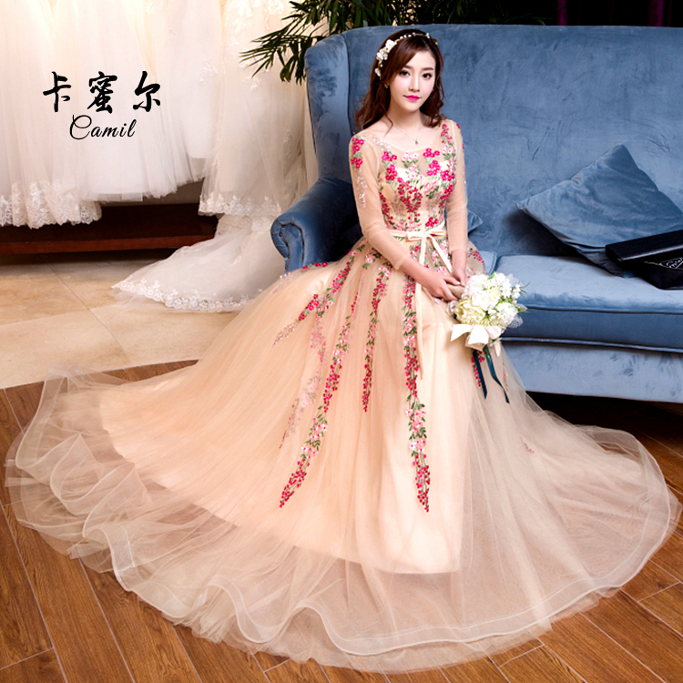 Studio theme clothing 2017, the new style of spring photography, photography dress, pink, leakage, back, tail wedding