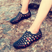 Autumn and summer new Crocs shoes beach shoes set foot shoes breathable outdoor shoes sandals students lazy lovers