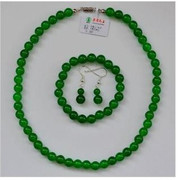 A dollar auction chalcedony boutique Malay jade jewelry three-piece suit Green fashion eardrop, bracelet, necklace