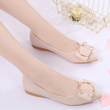 2018 spring new flat shoes women shallow mouth wild pointed soft bottom scoop shoes Korean patent leather flat with women shoes