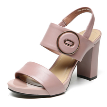 2017 new summer sandals female coarse round buckle with the leather toe shoes Female Nude shoes waterproof Taiwan Rome