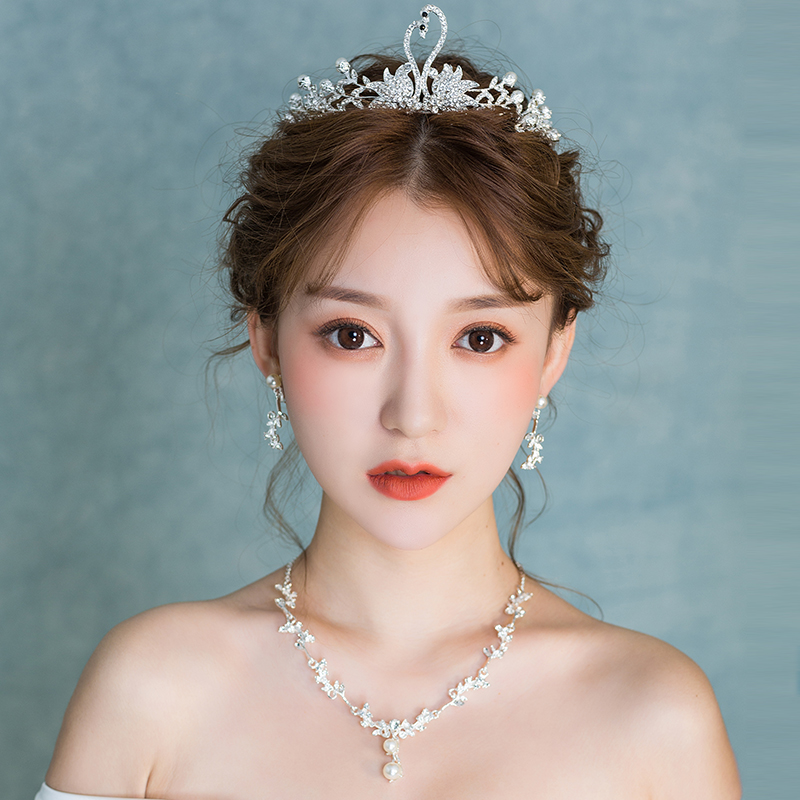 新娘头饰2017新款天鹅水钻皇冠结婚韩式项链耳环套装发饰婚纱饰品