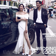 The new wedding Korean street shoulder white fashion theme word split Street City trip shoot clothing