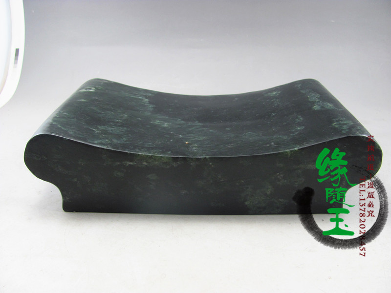 Factory direct natural Black Jade Palace Jade (a solid health} pillow stone pillow King stone