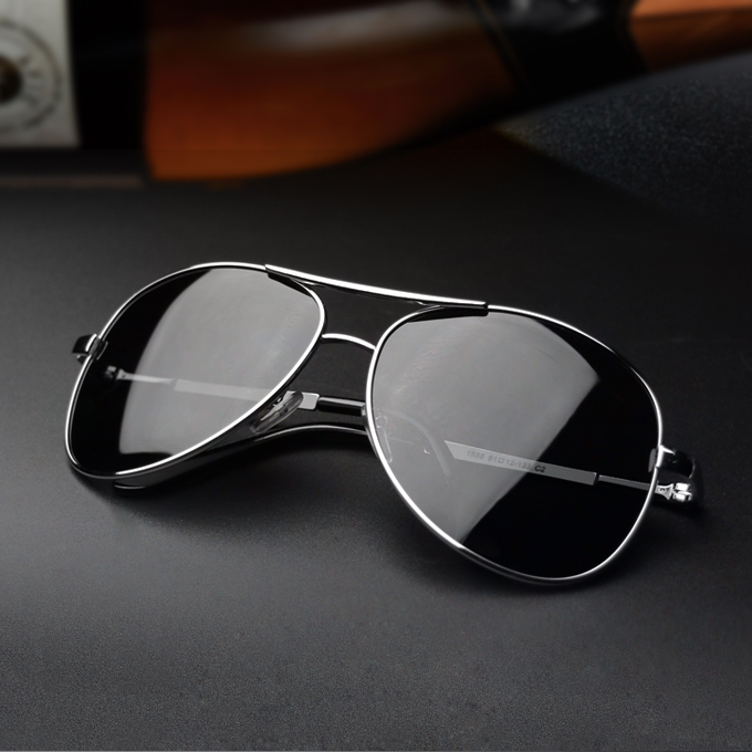 Male driver polarized sunglasses sunglasses surge round drive big box could drive HD driving fishing glasses