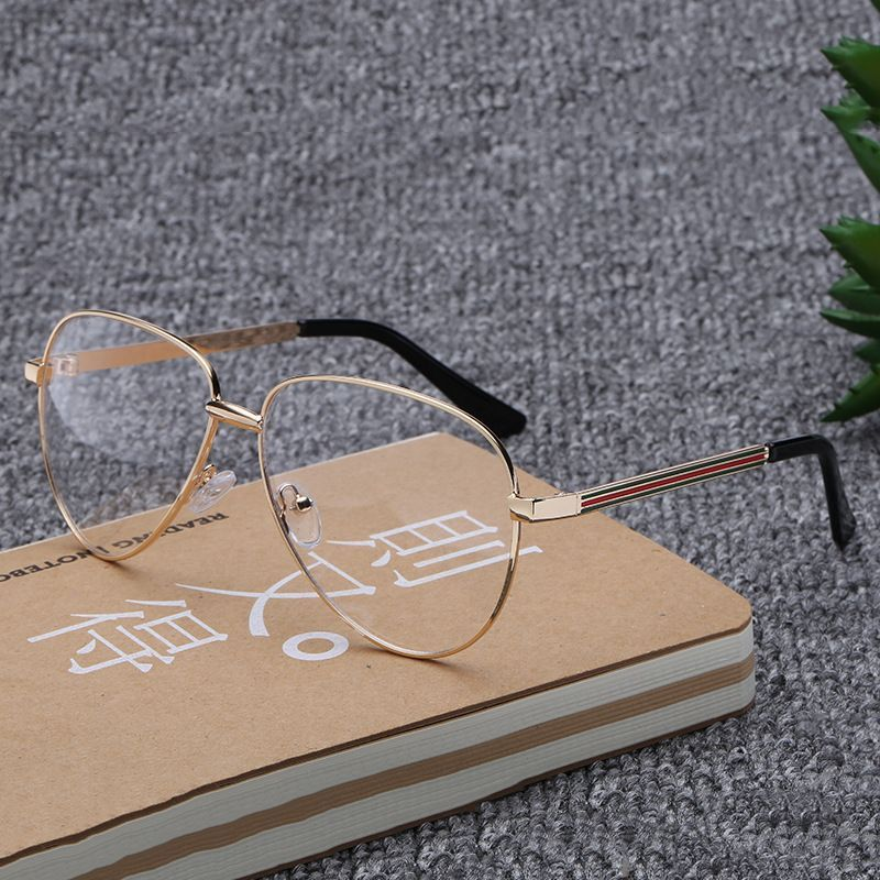 A large network of red retro round eyes box frame female Korean tidal flat mirror anti radiation glasses man