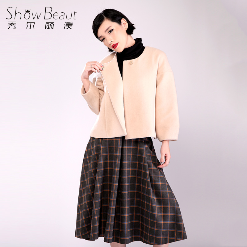 Xiu, li Mei 2015 autumn winter cloak round collar short woolen cloth coat a grain of pure color long sleeve short woolen cloth coat