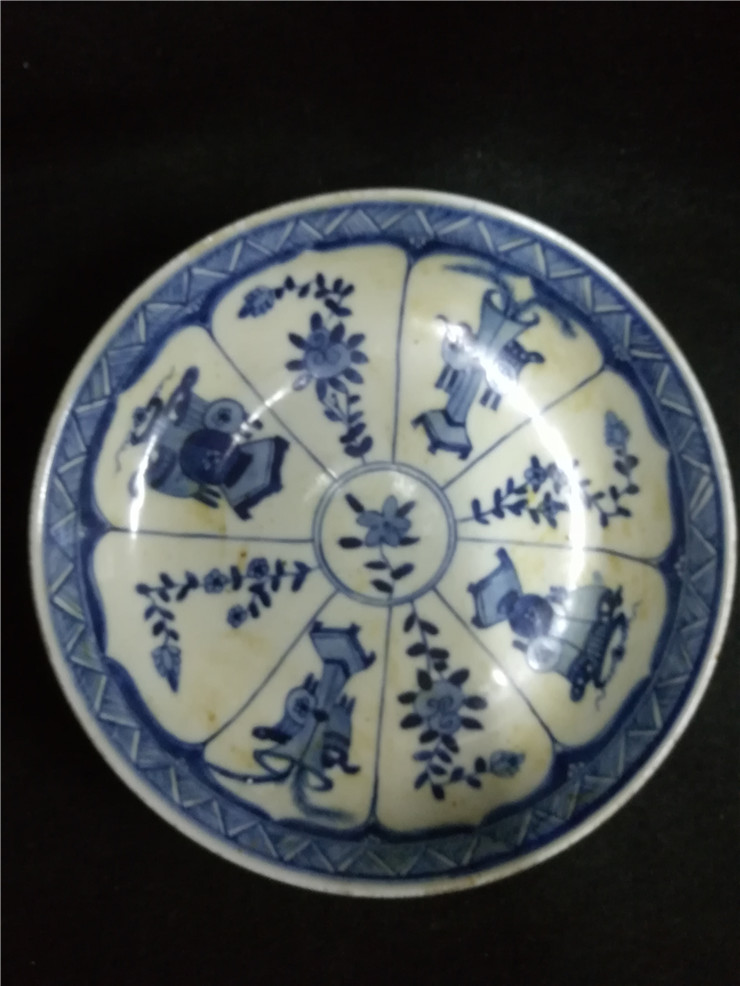The antique antique collection of old porcelain miscellaneous ten blue and white plate ornaments in the Qing Dynasty old objects
