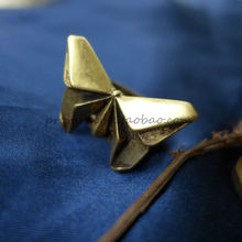 Geometric aesthetics butterfly. The export of raw D American brand to do the old bronze ring F1