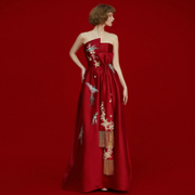 A long section of 2017 new winter clothing bride wedding banquet China wind back red dress dresses