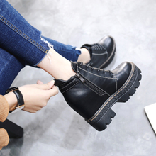 The increase in women's shoes with high heels thick waterproof boots female winter 2017 new all-match thick soled boots Martin