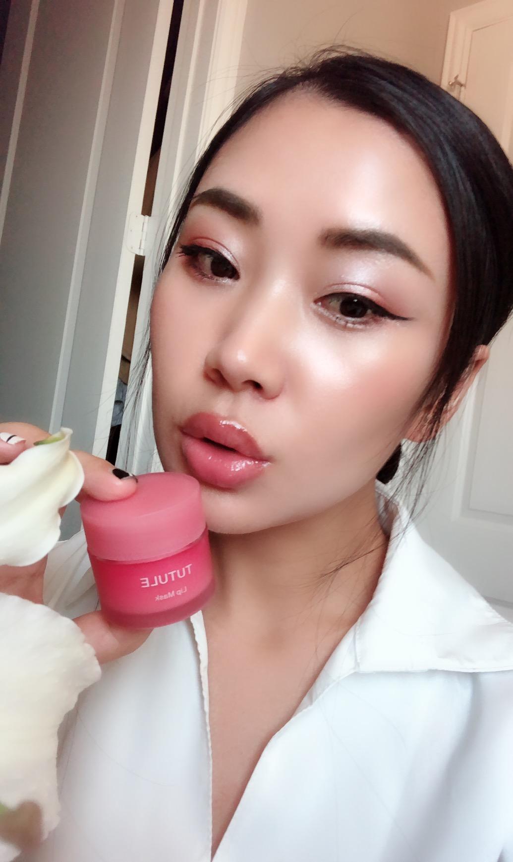 Купить Бальзамы для губ в Китае, в интернет магазине таобао на русском языке
