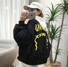 Shipping 2017bF letter stamp wind coat retro handsome baseball female Han Wanghong paragraph