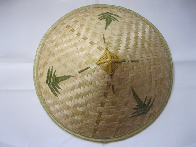 The stage props / Yunnan ethnic dance activities / leaves hats hat handmade bamboo hat