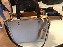 COACH portable shoulder white section female models counter genuine Italian purchase