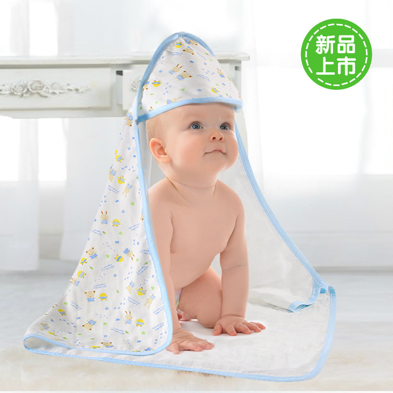 The baby was in the newborn baby born thin cotton coated coverlet coated cotton thin blankets