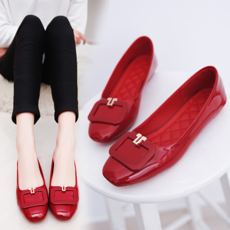 Summer square buckle shoes Red Wedding shoes flat bottom leather shoes round head patent leather shallow mouth fashion comfort anti-skid shoes