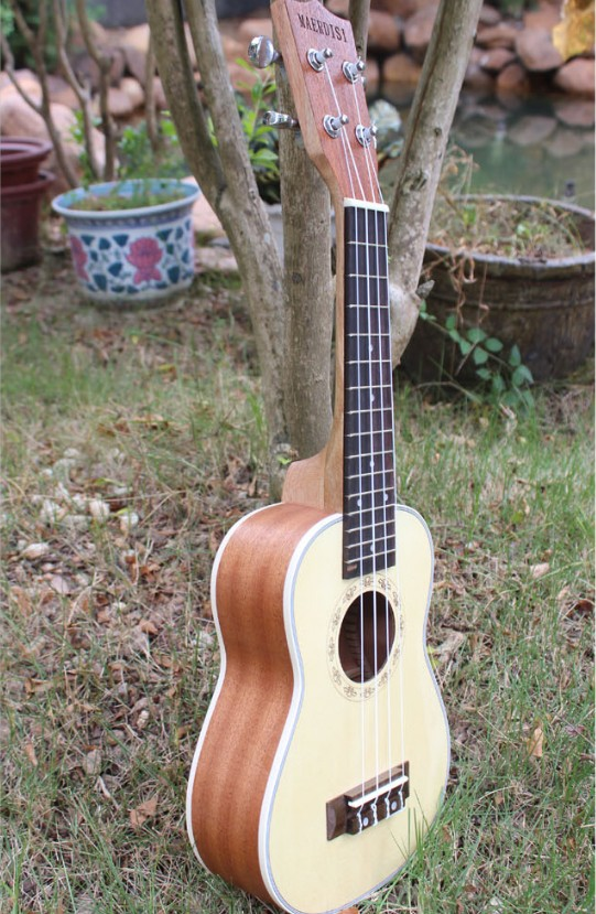 Mr Kerry in 2123 26 inch ukulele lili 4 small Hawaiian guitar Ukraine clavichord, mail a gift package