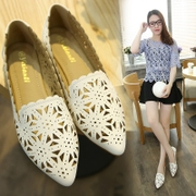 In the summer of 2017 Korean Air shoes with pointed hollow flat code shallow mouth shoes white leisure shoes