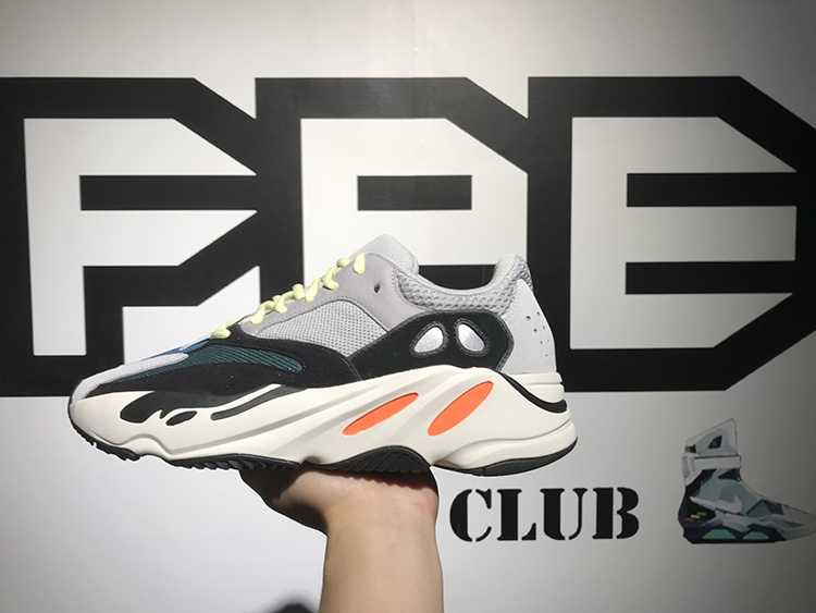Yeezy 700 Runner Boost 侃爷复古3M椰子跑步鞋 B75571