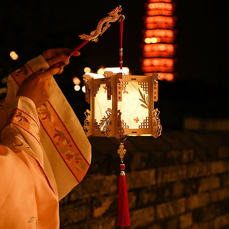 New Year lanterns hand-held glowing ancient wind Lantern children diy hand-made materials package Chinese wind Spring Festival palace lights
