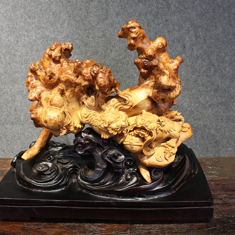 Slowsmith Tai line cliff cypress full of old material full of tumor flower god beast wood carving things as expected hand-carved pieces