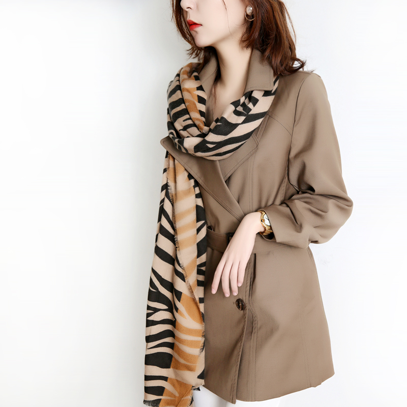 High-end brand boutique windcoat jacket womens 2020 new medium-length version of the small British fashion popular temperament autumn and winter
