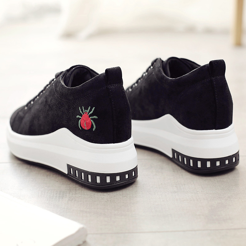 Increased women's shoes in the fall 2018 new wild fashion Korean sports shoes black thick bottom tide street beat tide