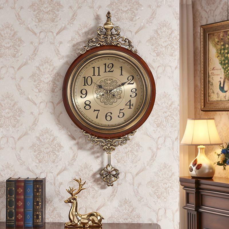 European-style ancient wall clock creative living room solid wood swing clock錶 American metal clock home modern simple atmosphere