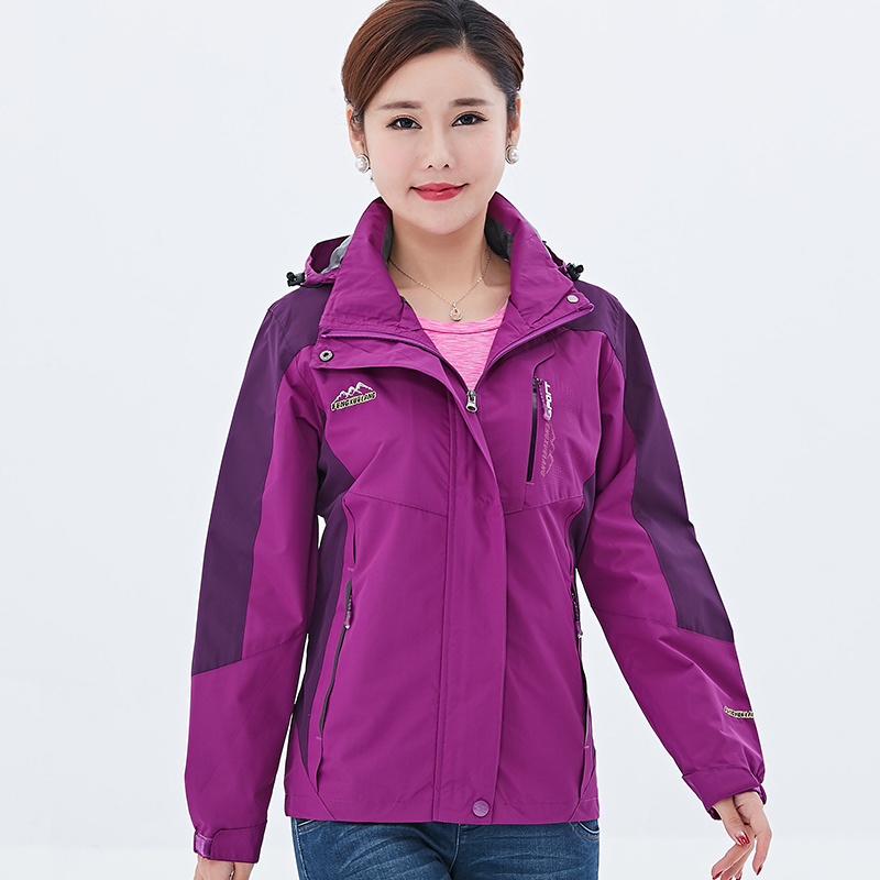 Stormtrooper female middle-aged and elderly mother spring and autumn loose thin single-layer large size plus fertilizer to increase 200 pounds wind jacket