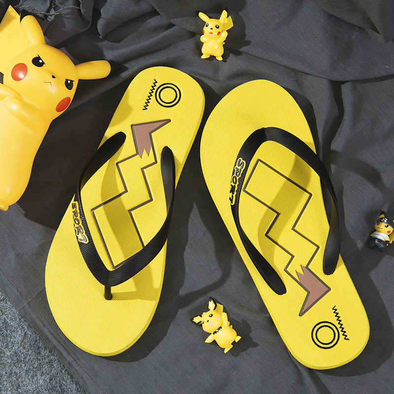 Picachu flip flop men's antiskid and wear-resistant slippers wear beach shoes in summer, fashionable outdoor sandals 2020 NEW