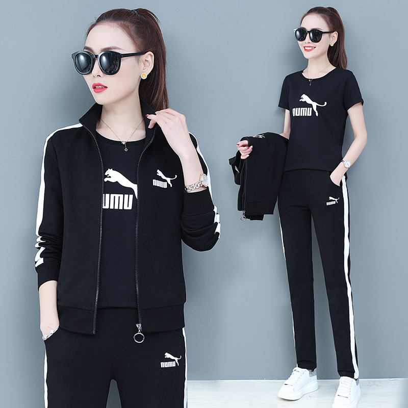 Sports suit womens spring and autumn 2020 new trendy brand-name casual wear fashion plush thick cotton T three-piece set winter