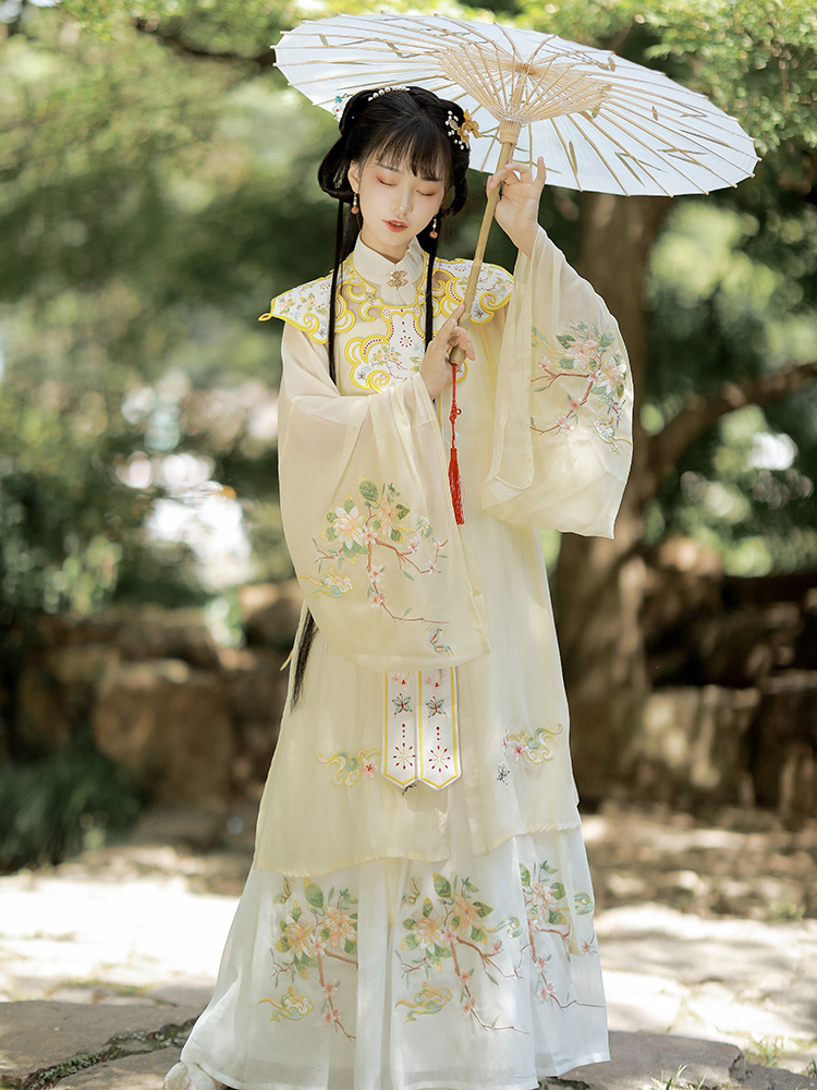 Drunk Wanting original hanfu woman (flower butterfly)cloud shoulder ming three sets of stand-up collar cheongsam Chinese style spring and summer models