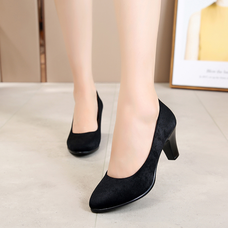 Old Beijing cloth shoes, women's high heels, fashionable dance shoes, comfortable single shoes, working shoes and women's shoes in Mom's Shoes Hotel
