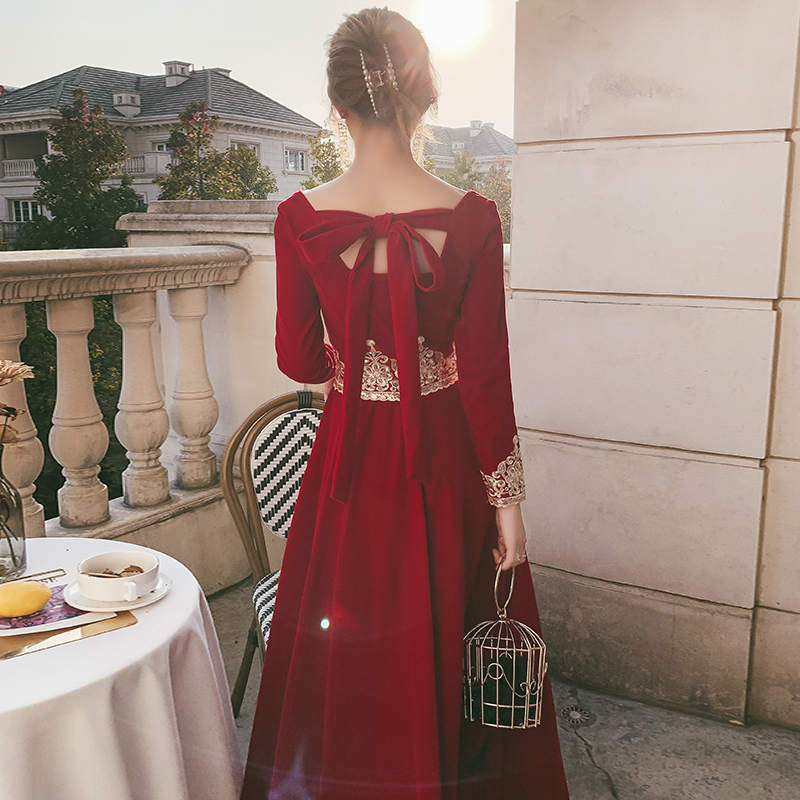 The toast bride 2020 new autumn winter can usually wear a red evening dress winter engagement back door velvet long sleeves