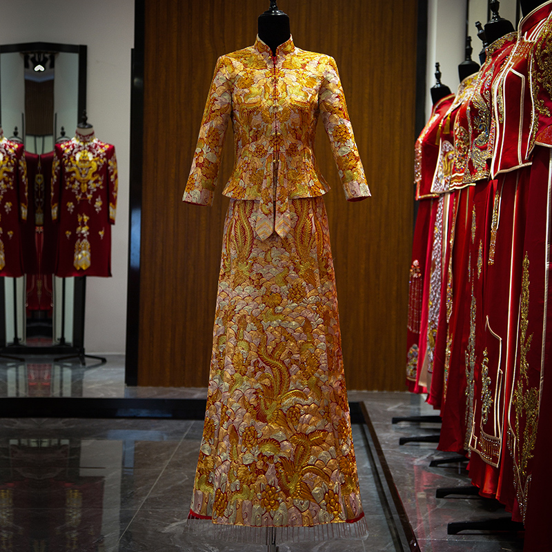 Xiuhe clothing 2021 new dragon and phoenix gown plate gold embroidery big Wufu bride wedding dress Chinese wedding dress Phoenix crown Xia Qiutong