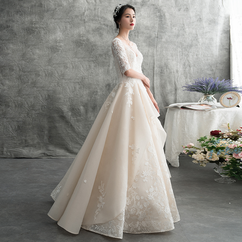 Main wedding dress 2019 new bride simple light forest super fairy dream dress female small long sleeve 2020 spring