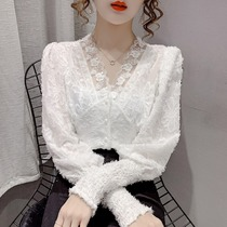 2021 new autumn and winter Korean White V collar lace base shirt fashion sexy foreign style slim body top women
