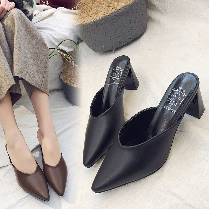 Black mid-heel pointed women's slippers, thick-heeled fashion fitting shoes, leisure spring and summer Baotou sandals, high-heeled half-slippers
